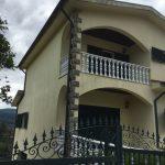 Moradia-T4-em-Barros-Vila-Verde-fachada-frente-lateral