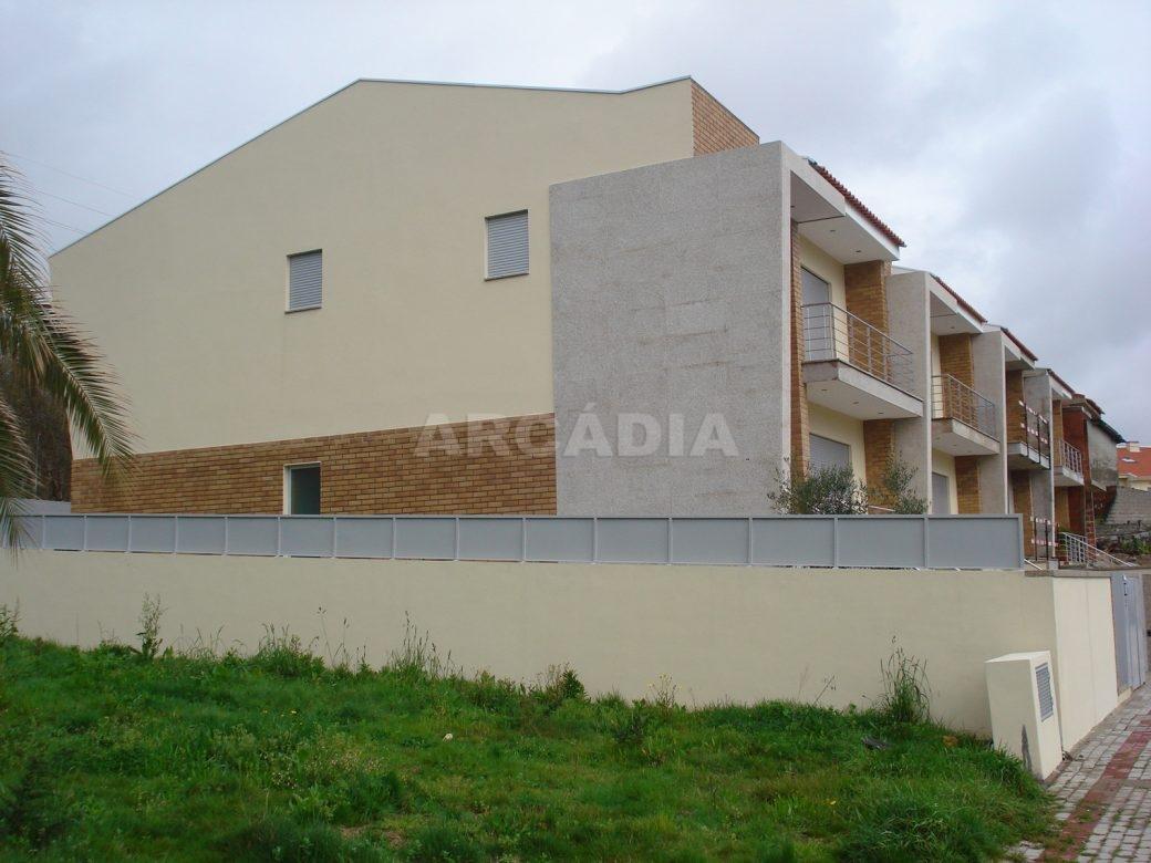 Arcadia-Imobiliaria-Lote-para-construcao-em-UF-Real-Dume-e-Semelhe-1
