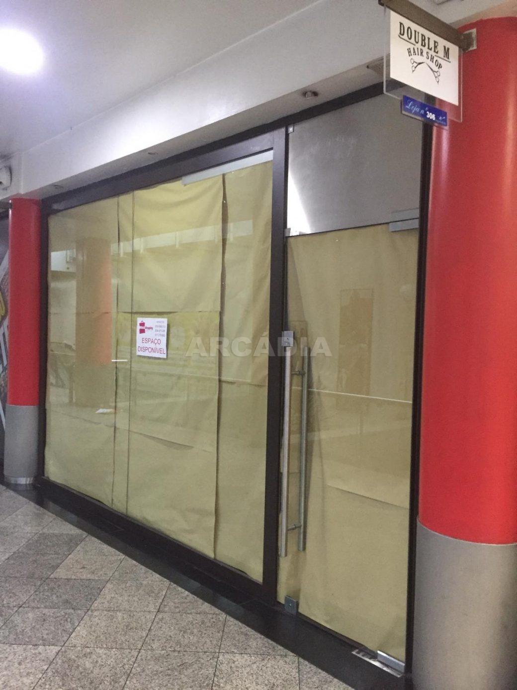 Loja-em-CC-Movimentado-no-Coracao-de-Braga