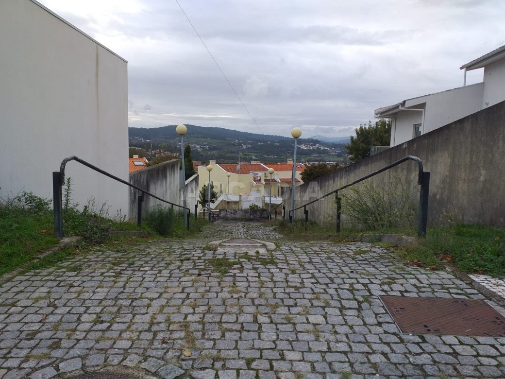 Lote-Para-Moradia-Perto-do-Centro-de-Braga-imediacoes-acessos