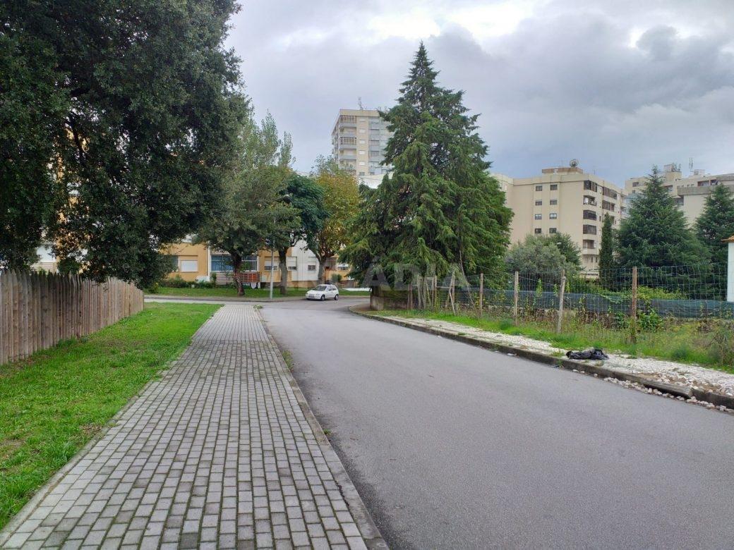 Lote-Para-Moradia-Perto-do-Centro-de-Braga-imediacoes-rua