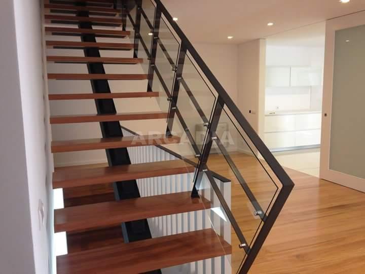 Moradia-em-Fase-de-Construcao-arcadia-imobiliaria-braga-moradia-em-fase-de-construcao-este-sao-pedro-escadaria-baixo