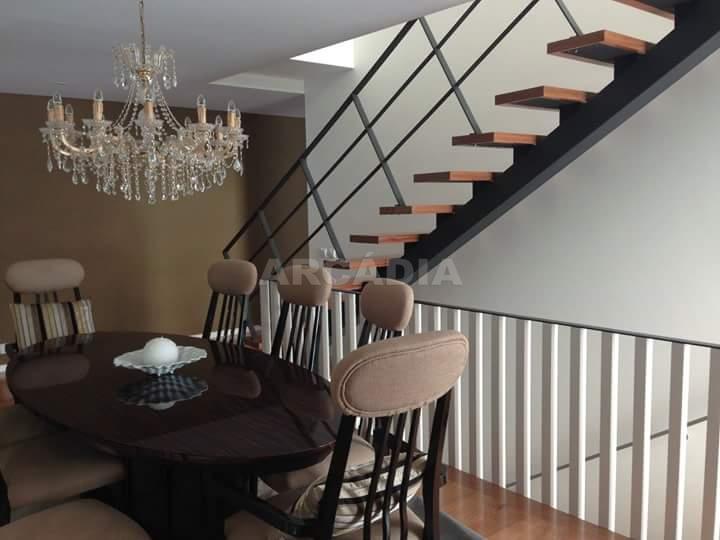 Moradia-em-Fase-de-Construcao-arcadia-imobiliaria-braga-moradia-em-fase-de-construcao-este-sao-pedro-escadaria