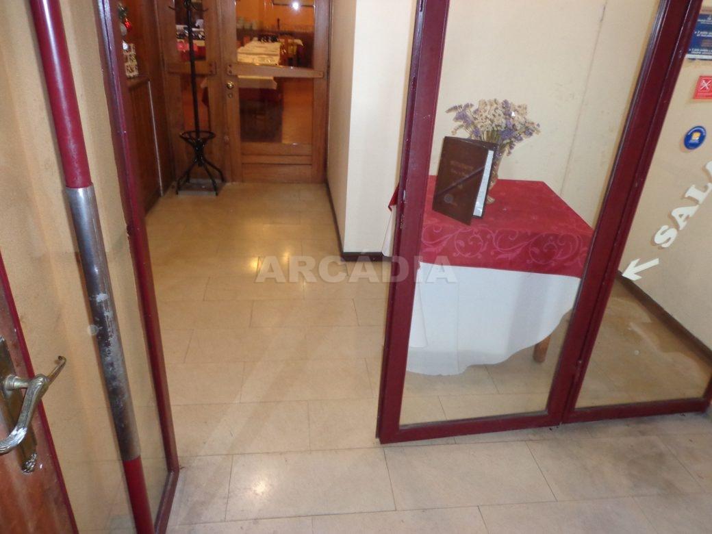 Predio-Para-Restauro-em-Sao-Joao-do-Souto-17-entrada