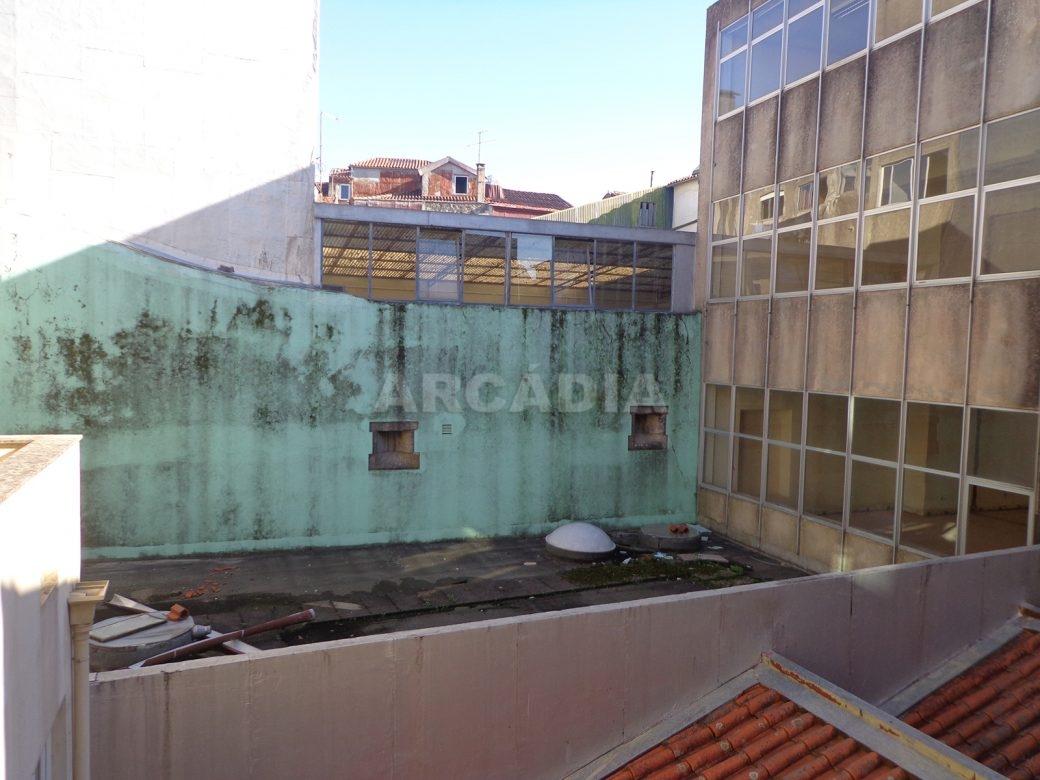 Predio-Para-Restauro-em-Sao-Joao-do-Souto-9-obras-pisos-superiores-vistas-traseiras