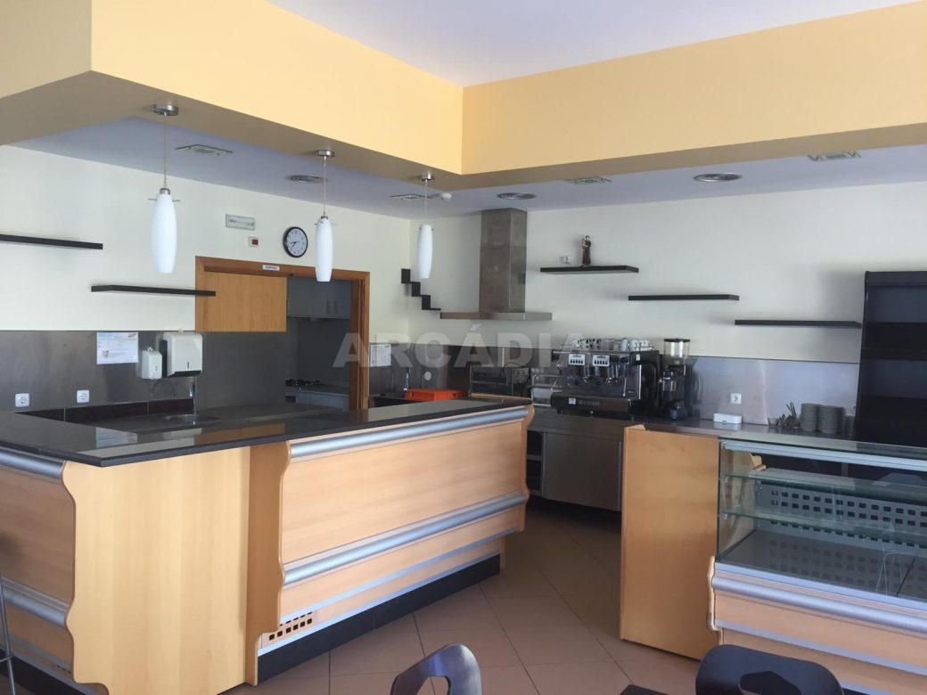 Renda-Cafe-em-Ruilhe-area-balcao