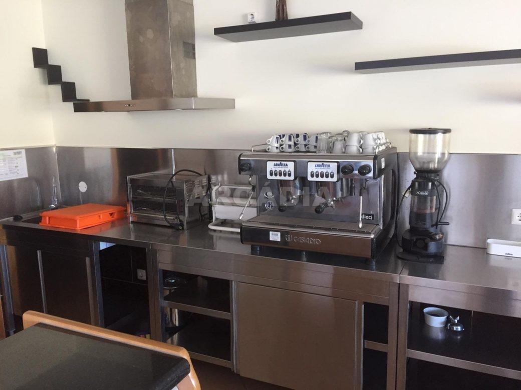 Renda-Cafe-em-Ruilhe-cozinha-maquinas