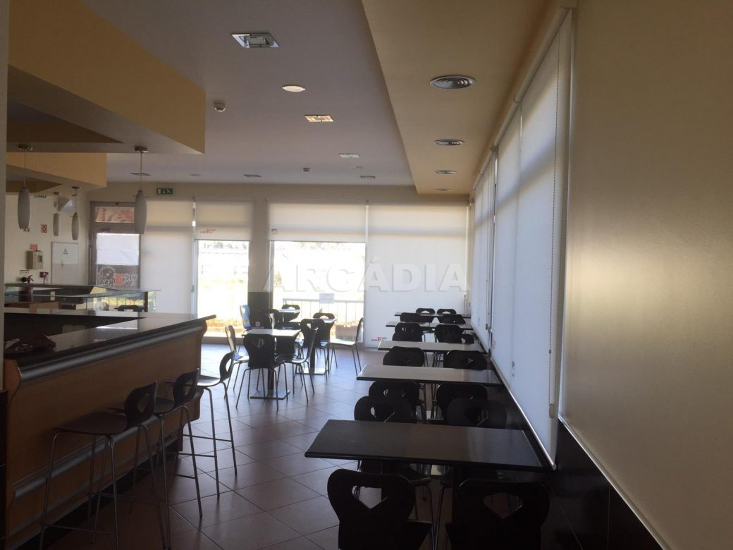 Renda-Cafe-em-Ruilhe-mesas
