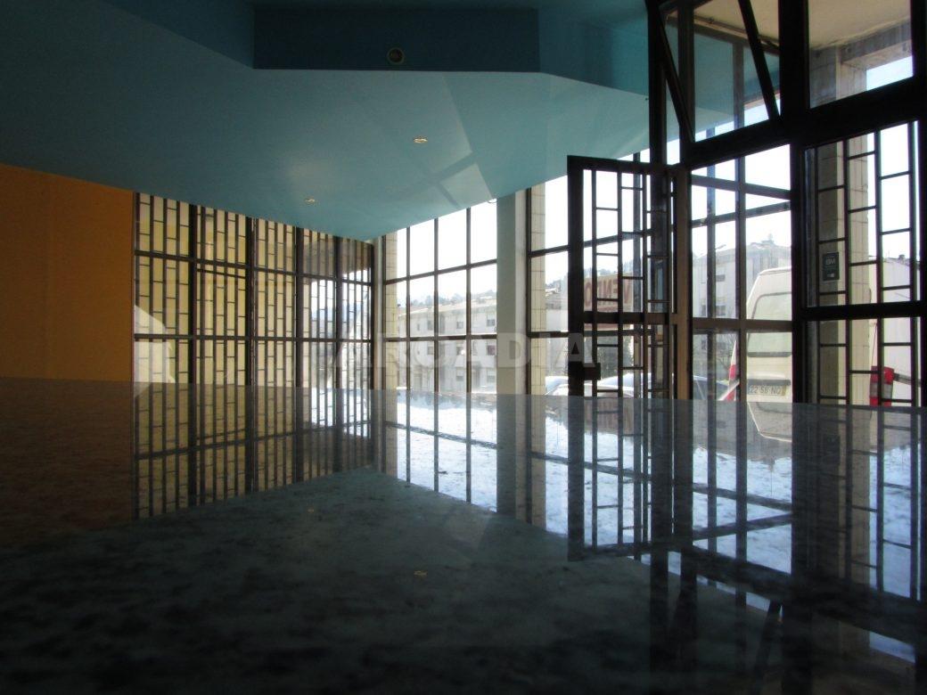 Renda-Loja-Para-Restauro-no-Centro-de-Ponte-da-Barca-balcao