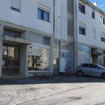 Renda-Loja-Para-Restauro-no-Centro-de-Ponte-da-Barca-fachada-entrada