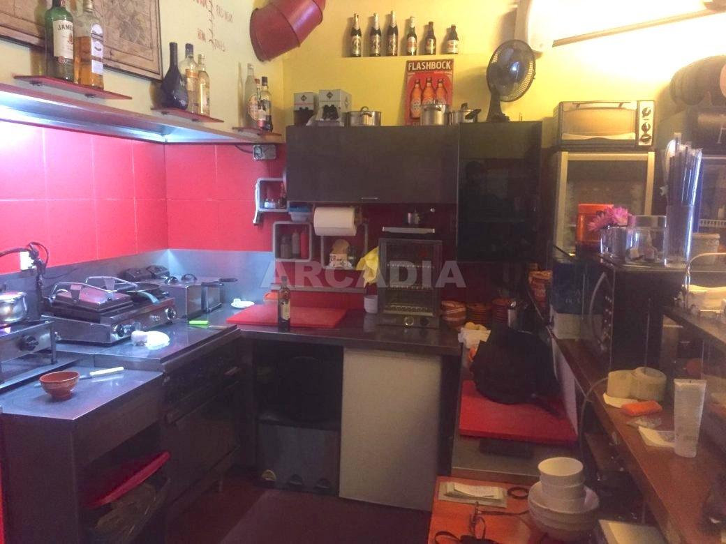 Trespasse-Cafe-Bar-na-Se-de-Braga-cozinha-arcadia