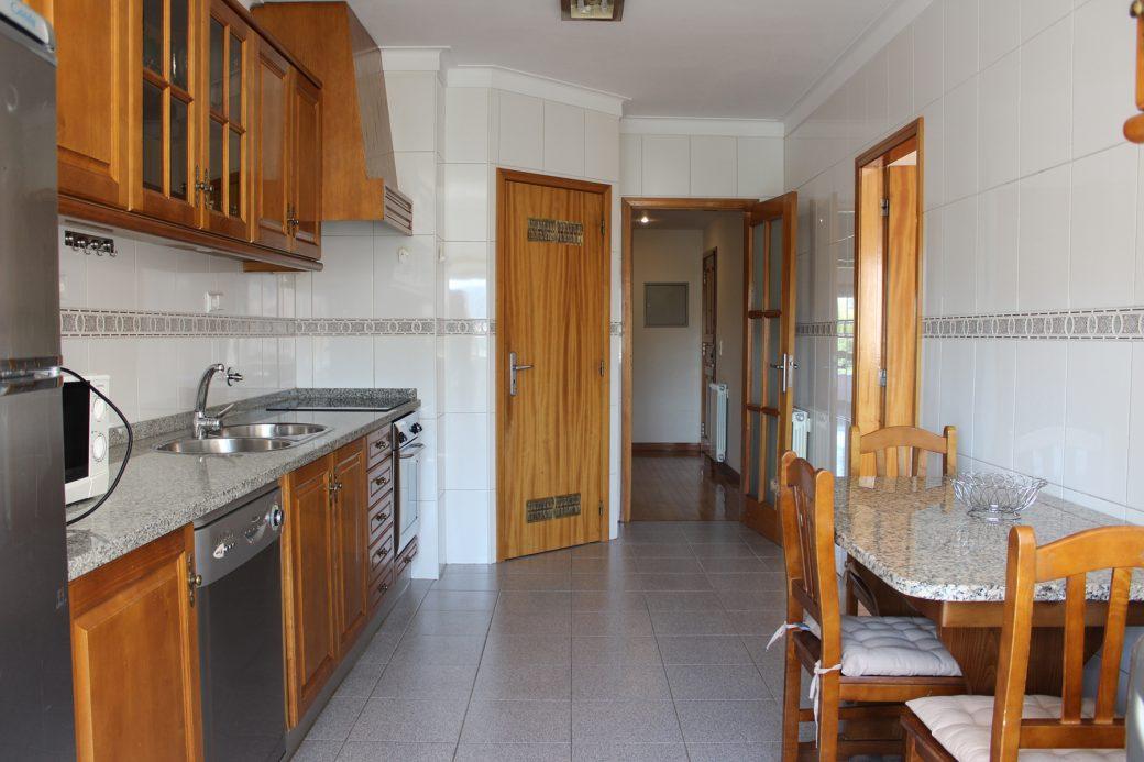 T4-Como-Novo-Em-Sao-Victor-Cozinha-1