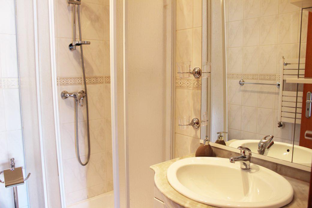 T4-Como-Novo-Em-Sao-Victor-Suite-WC-lavatorio