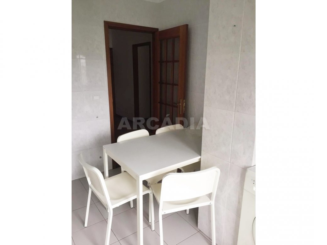 Apartamento-T1-Proximo-do-Braga-Parque-Cozinha-Mobilada