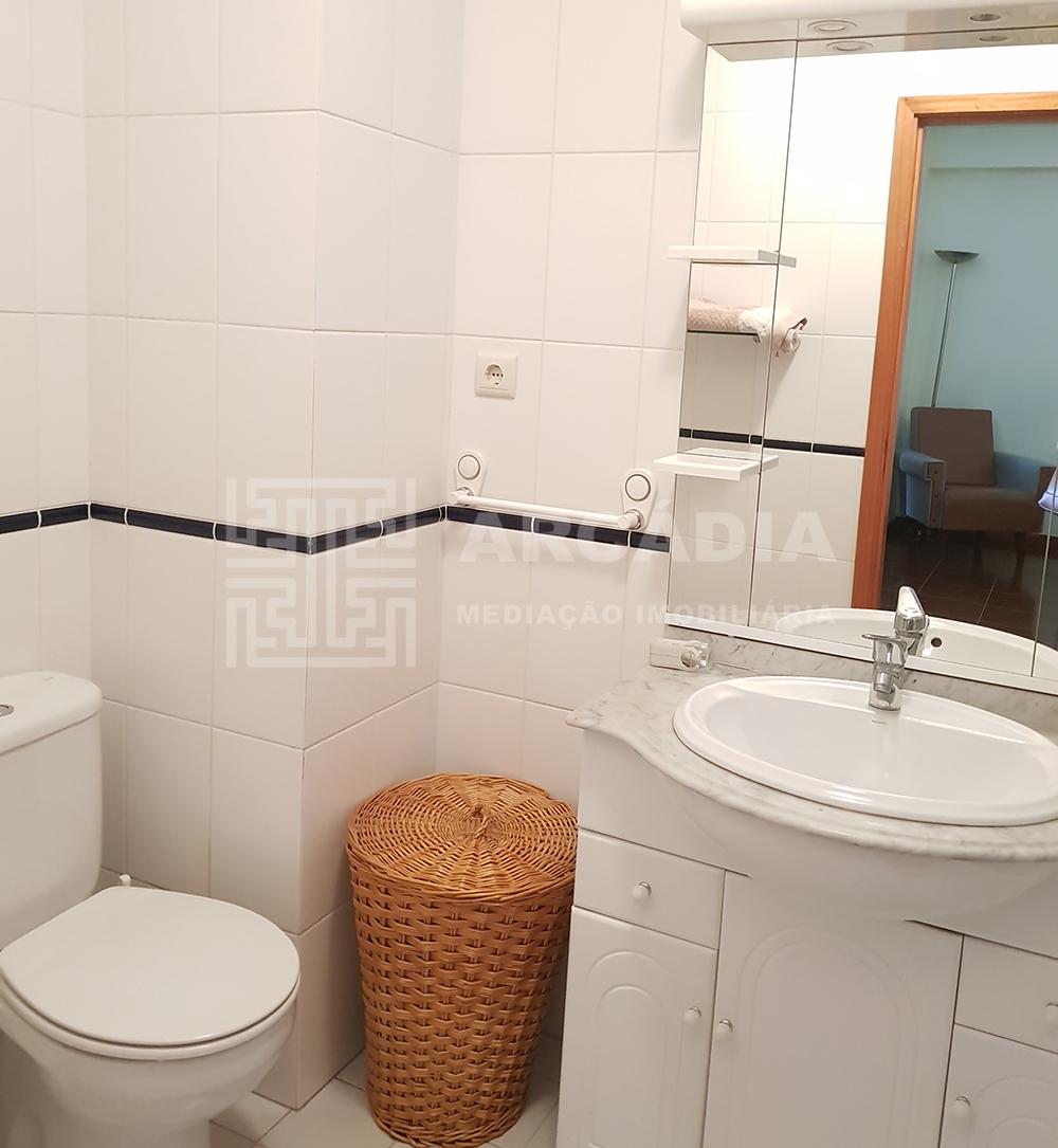 Apartamento-junto-a-Universidade-do-Minho-WC