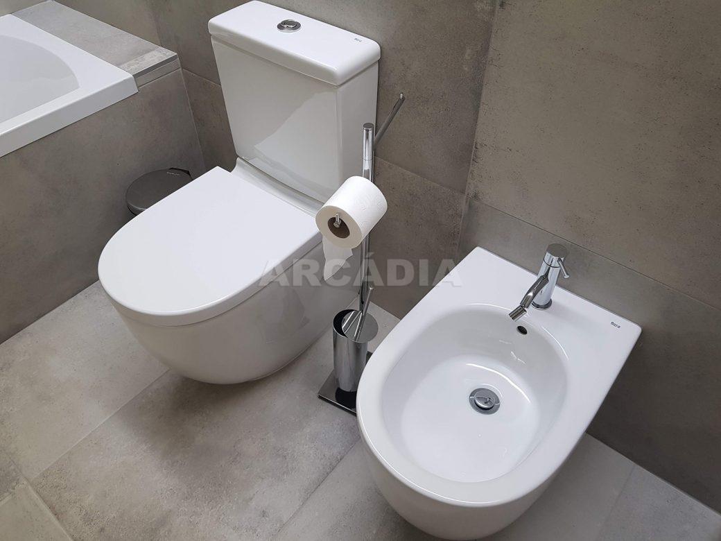 Moradia-Terrea-V4-em-Braga-Arcadia-Imobiliaria-WC-servico-grande-ceramicos
