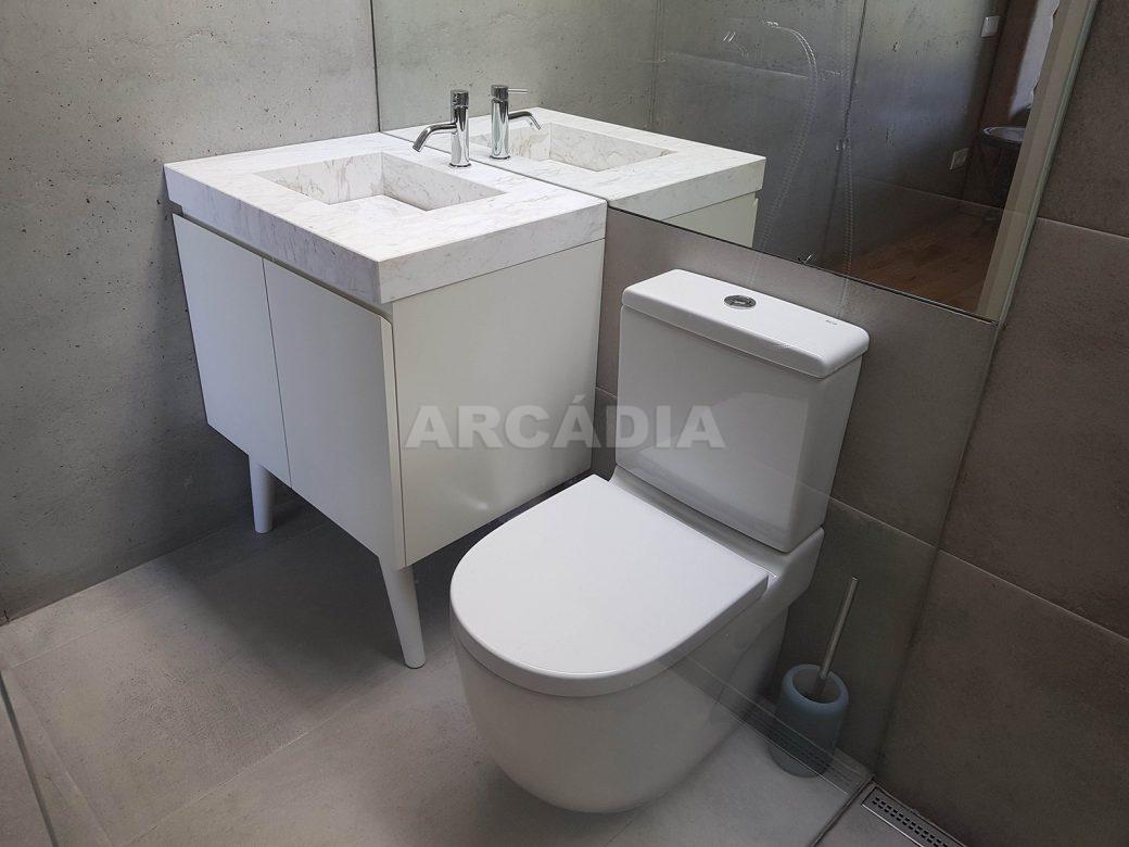 Moradia-Terrea-V4-em-Braga-Arcadia-Imobiliaria-WC-suite-pequena-ceramicos
