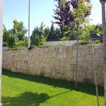 Moradia-Terrea-V4-em-Braga-Arcadia-Imobiliaria-exterior-jardim-muro-em-pedra