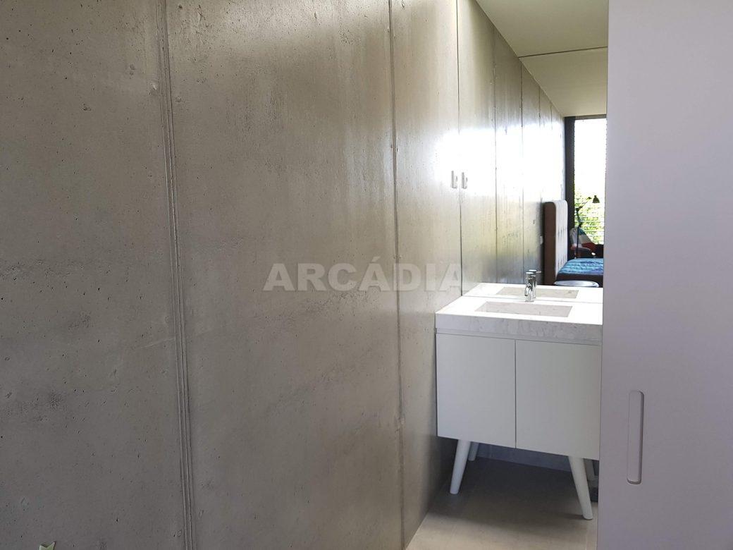 Moradia-Terrea-V4-em-Braga-Arcadia-Imobiliaria-suite-pequena-wc-entrada
