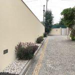 Moradia-em-Sao-Paio-de-Merelim-exterior-acesso-garagem