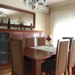 Moradia-em-Sao-Paio-de-Merelim-sala-de-jantar-mobilada