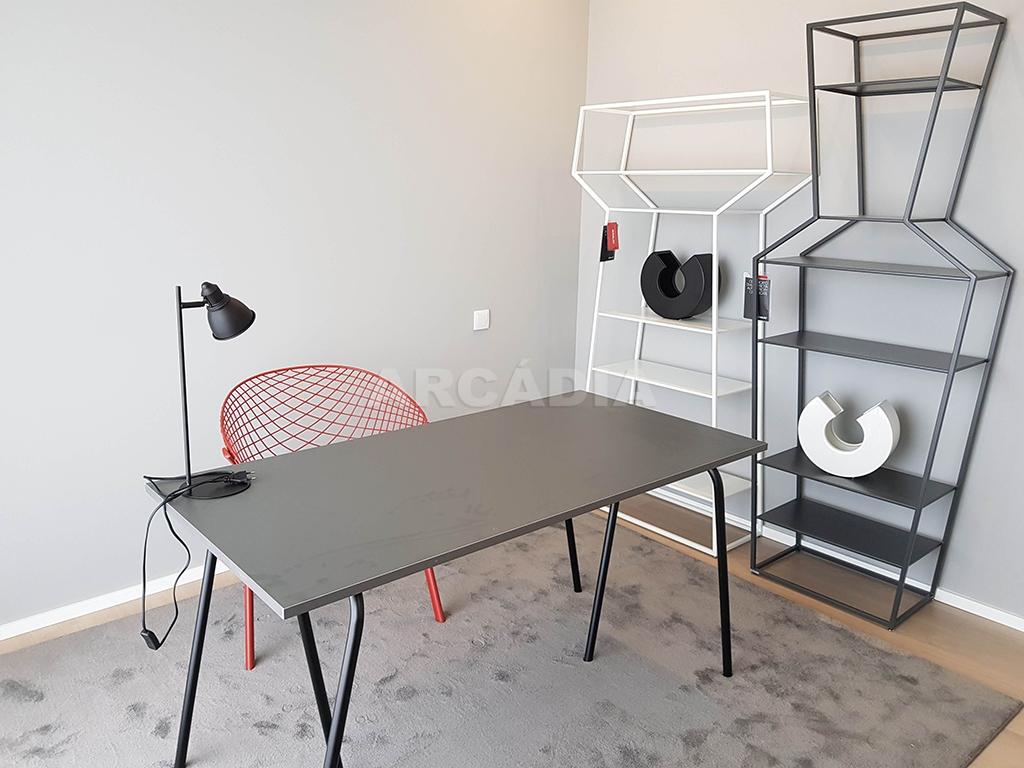 Apartamento-T3-Novo-de-Luxo-em-S-Joao-do-Souto-Ultimo-Piso-Arcadia-Imobiliaria-Escritorio-2