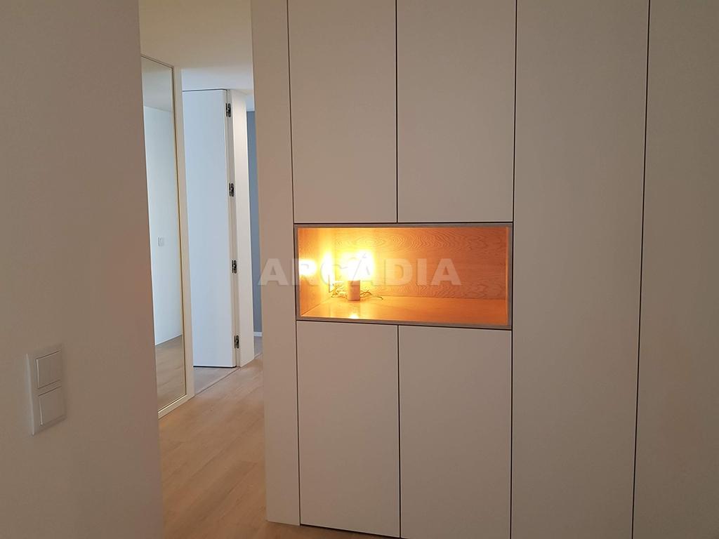 Apartamento-T3-Novo-de-Luxo-em-S-Joao-do-Souto-Ultimo-Piso-Arcadia-Imobiliaria-Hall