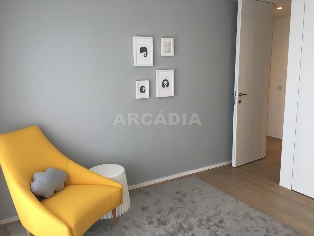 Apartamento-T3-Novo-de-Luxo-em-S-Joao-do-Souto-Ultimo-Piso-Arcadia-Imobiliaria-quarto-pequeno