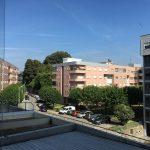 Apartamento-T2-Arrendar-no-Centro-da-Cidade-de-Braga-Totalmente-Mobilado-e-Equipado-Cozinha-Com-Marquise-Vistas