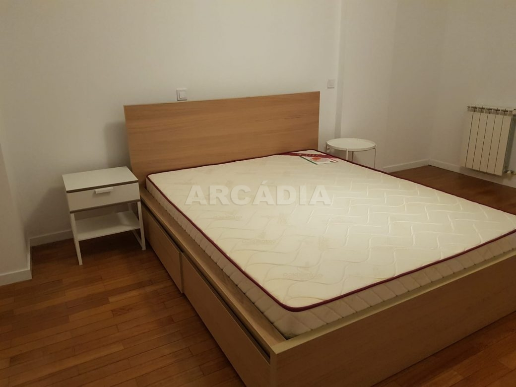 Arcadia-Imobiliaria-Apartamento-T2-Arrendar-no-Centro-da-Cidade-de-Braga-Totalmente-Mobilado-e-Equipado-1