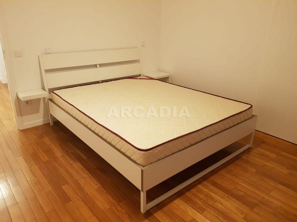 Arcadia-Imobiliaria-Apartamento-T2-Arrendar-no-Centro-da-Cidade-de-Braga-Totalmente-Mobilado-e-Equipado-2