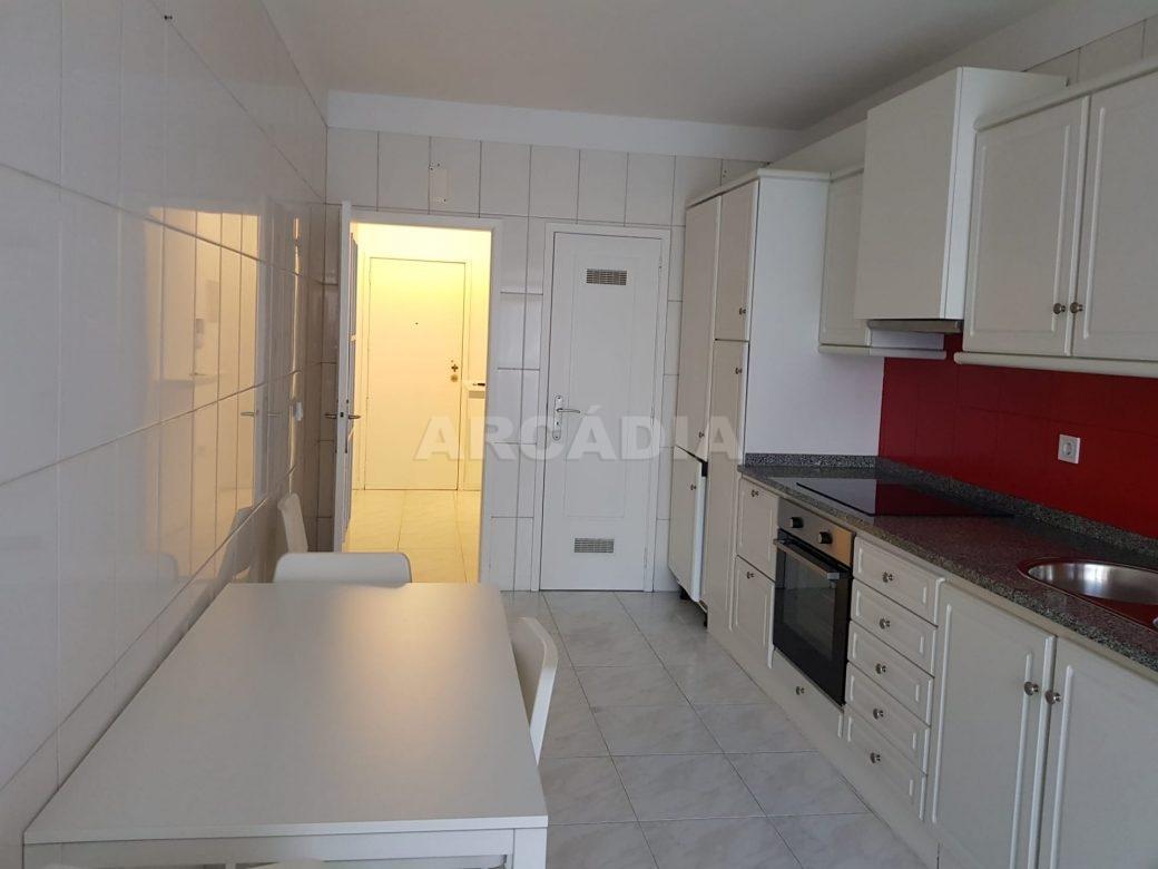Arcadia-Imobiliaria-Apartamento-T2-Arrendar-no-Centro-da-Cidade-de-Braga-Totalmente-Mobilado-e-Equipado-4