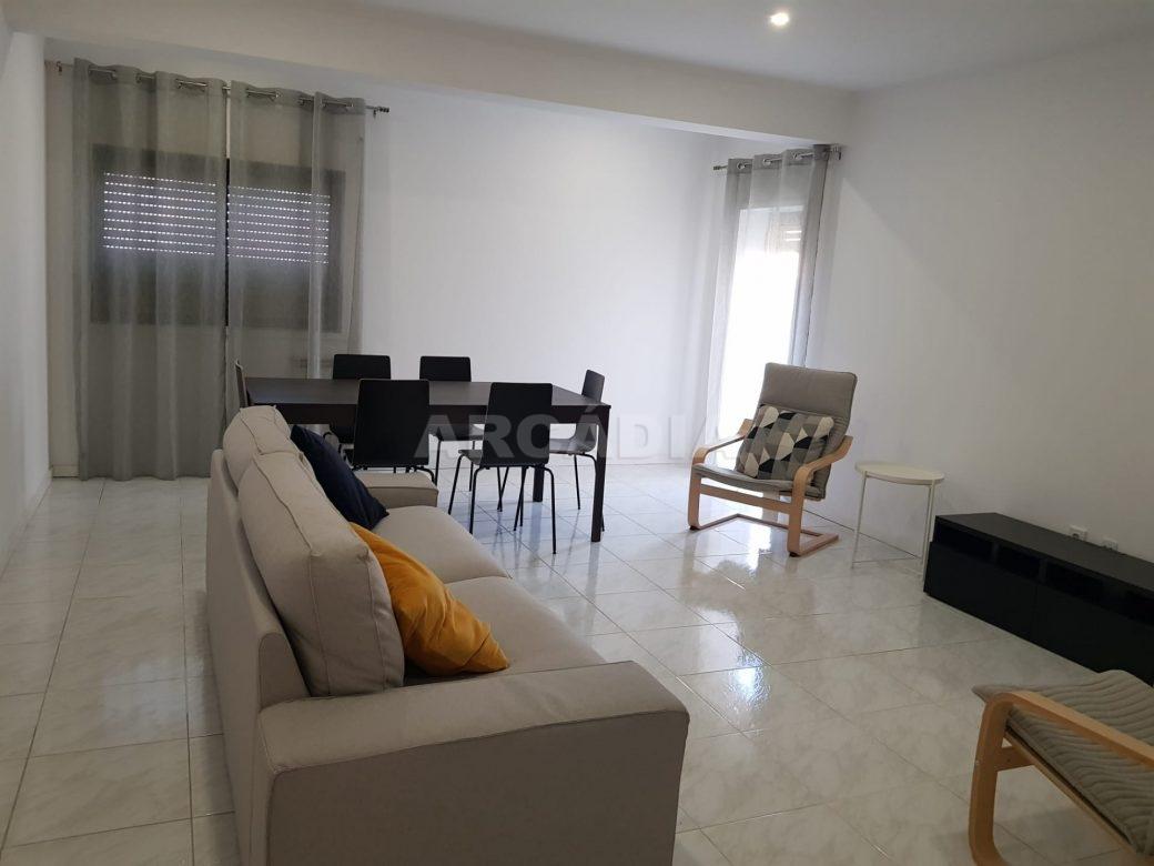 Arcadia-Imobiliaria-Apartamento-T2-Arrendar-no-Centro-da-Cidade-de-Braga-Totalmente-Mobilado-e-Equipado-6
