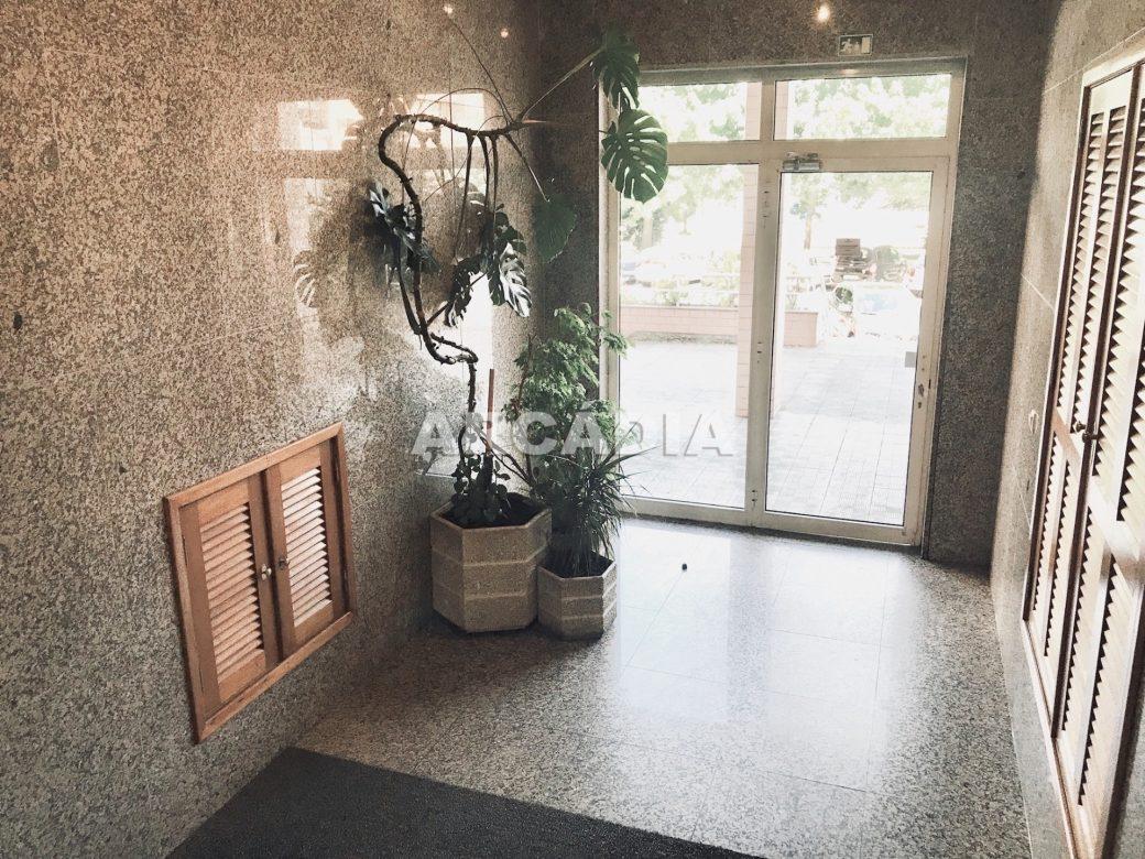 Apartamento-T3-Proximo-do-Braga-Parque-01-Entrada