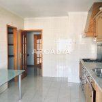 Apartamento-T3-Proximo-do-Braga-Parque-05-Cozinha