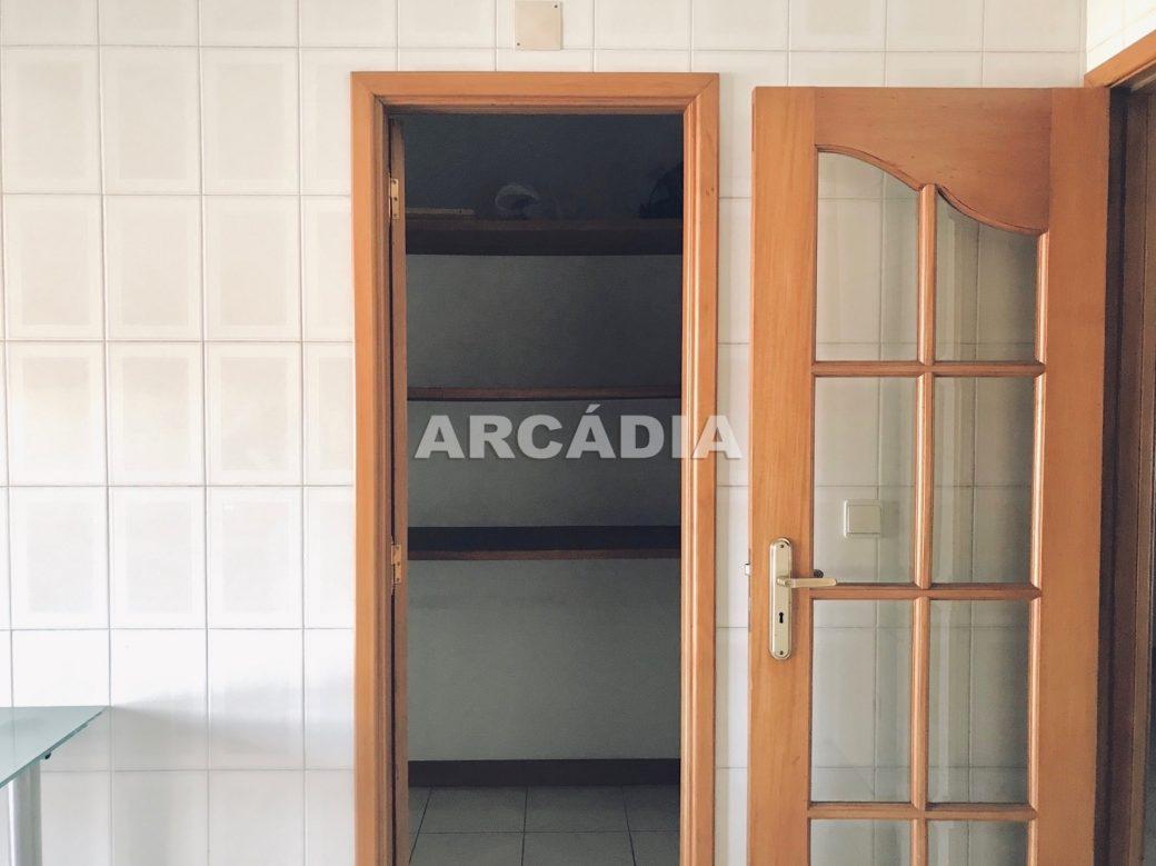 Apartamento-T3-Proximo-do-Braga-Parque-06