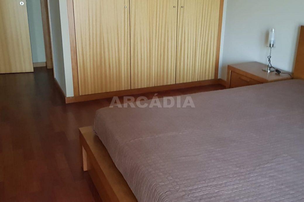 Apartamento-T3-Mobilado-a-5-Min-do-Centro-suite-mobilada