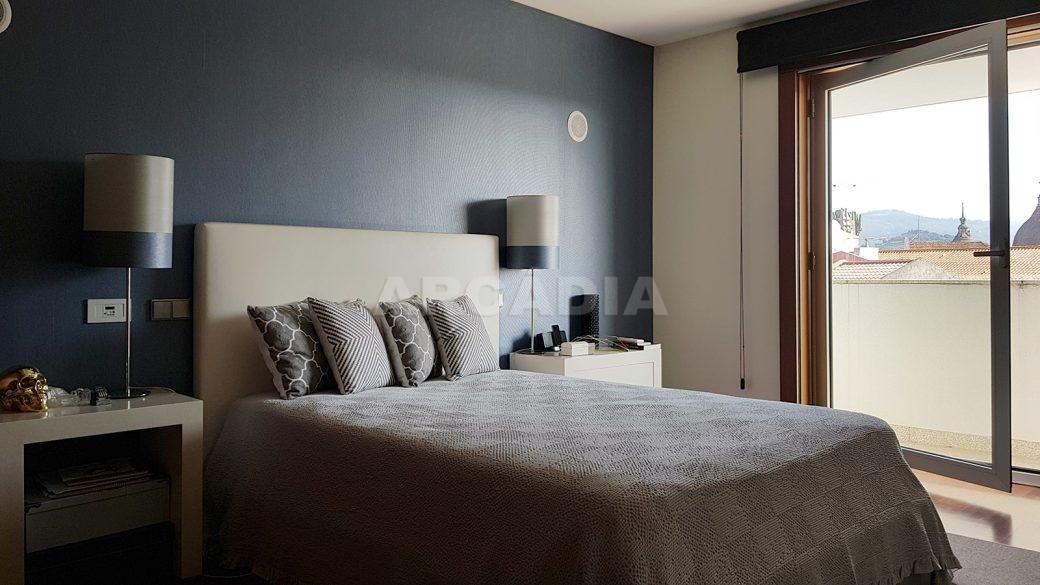 Apartamento-de-luxo-no-coracao-de-braga-suite-1-cama