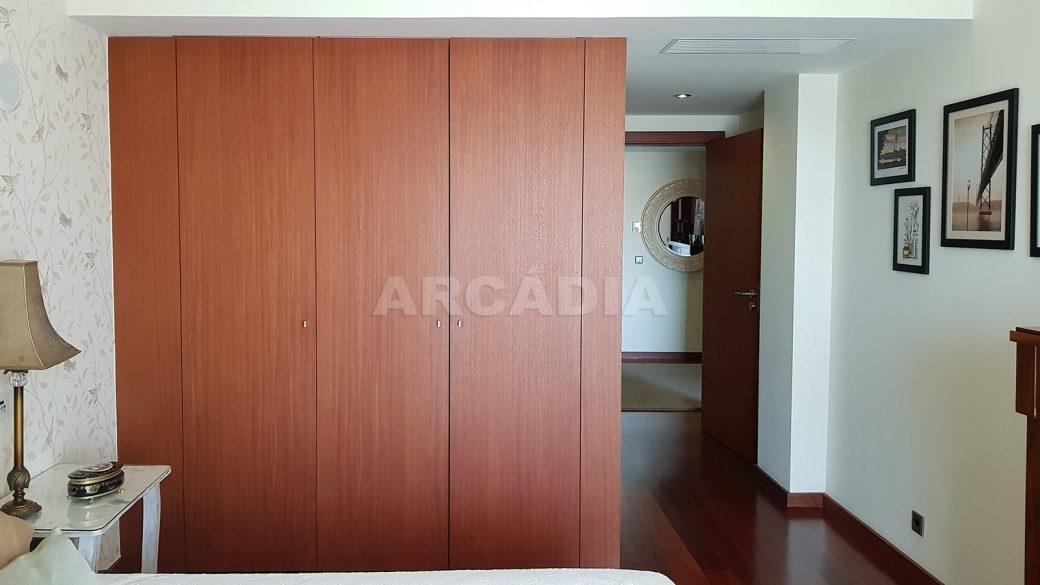 Apartamento-de-luxo-no-coracao-de-braga-suite-2-armarios-embutidos