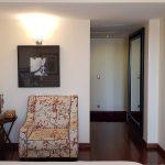 Apartamento-de-luxo-no-coracao-de-braga-suite-3-closet-passagem