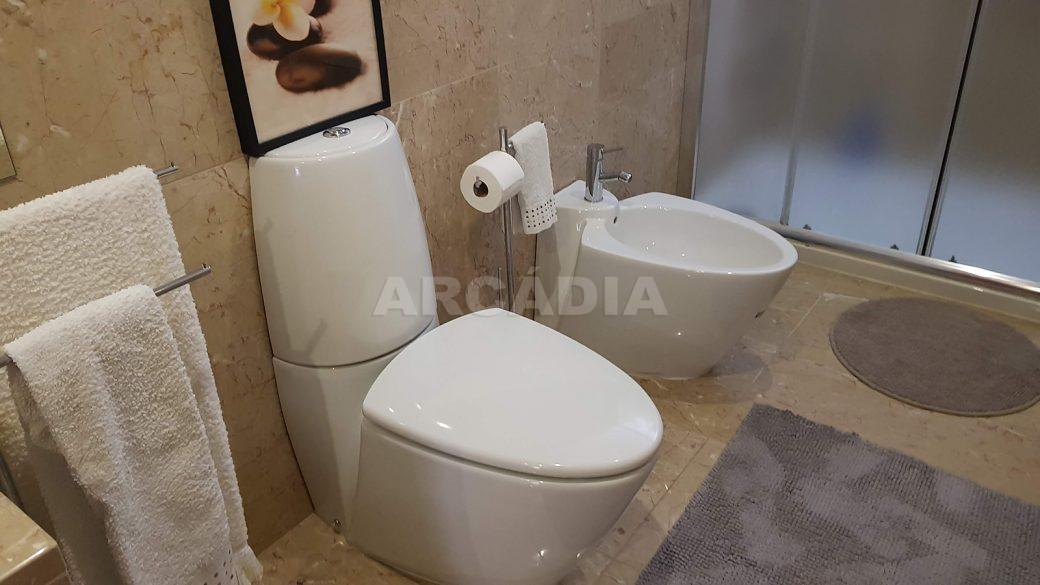 Apartamento-de-luxo-no-coracao-de-braga-suite-3-wc-sanitarios