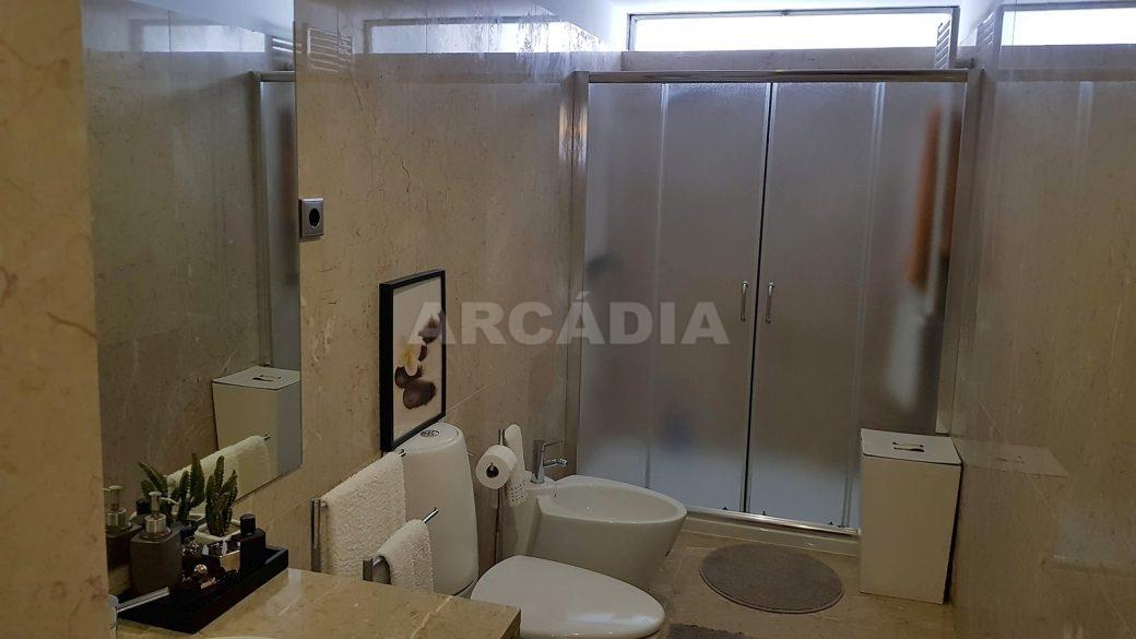 Apartamento-de-luxo-no-coracao-de-braga-suite-3-wc-vista-geral