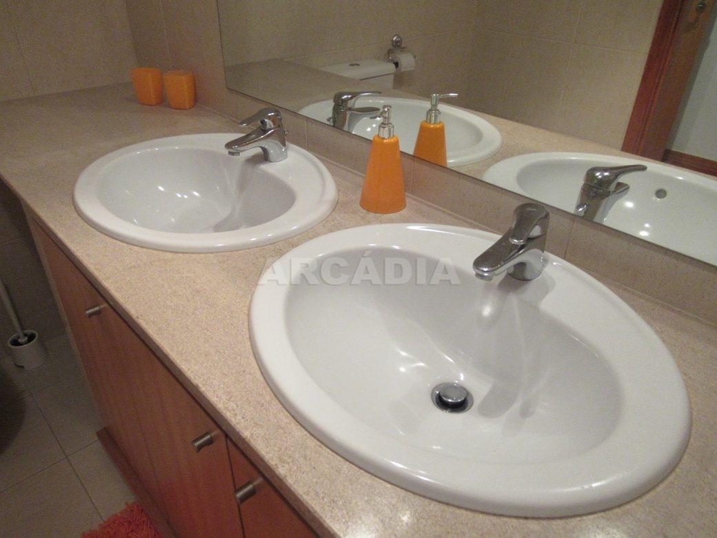 Arrendar-Como-novo-Proximo-do-Centro-da-Cidade-de-Braga-WC-servico-lavatorios