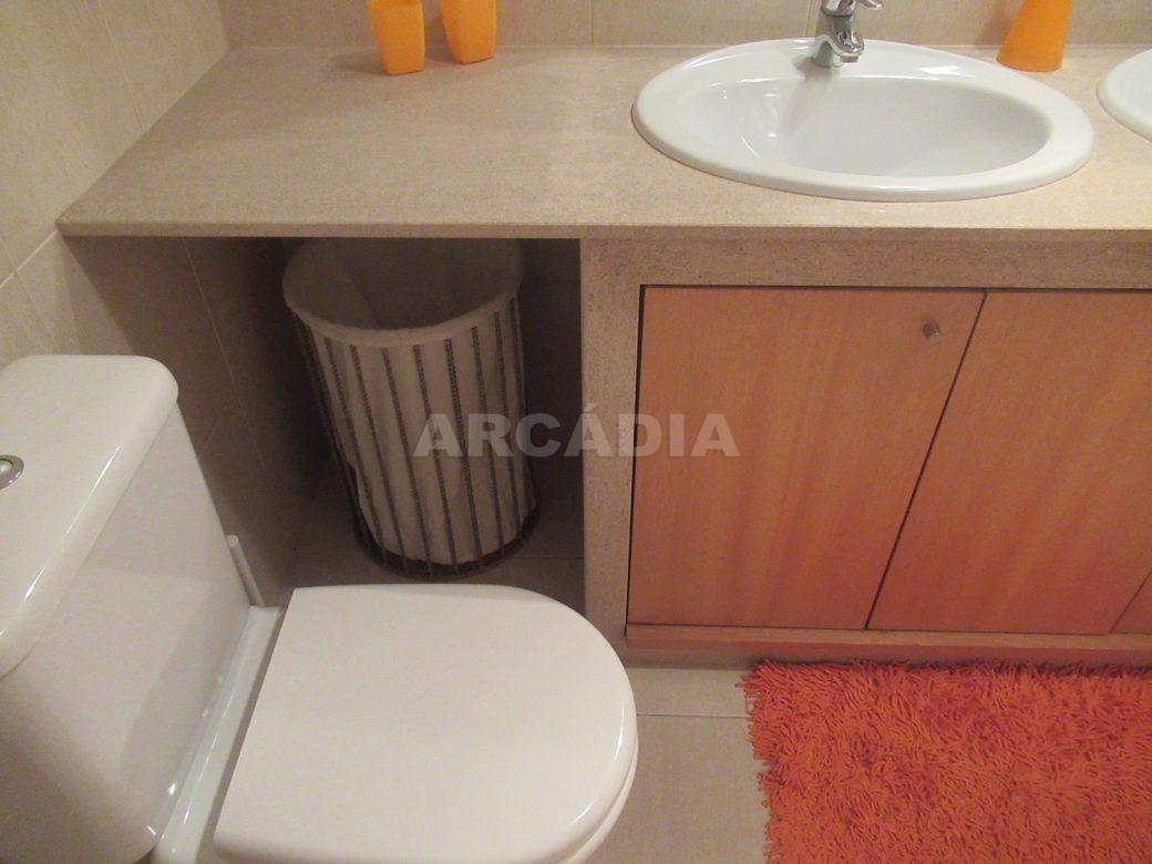 Arrendar-Como-novo-Proximo-do-Centro-da-Cidade-de-Braga-WC-servico-sanita