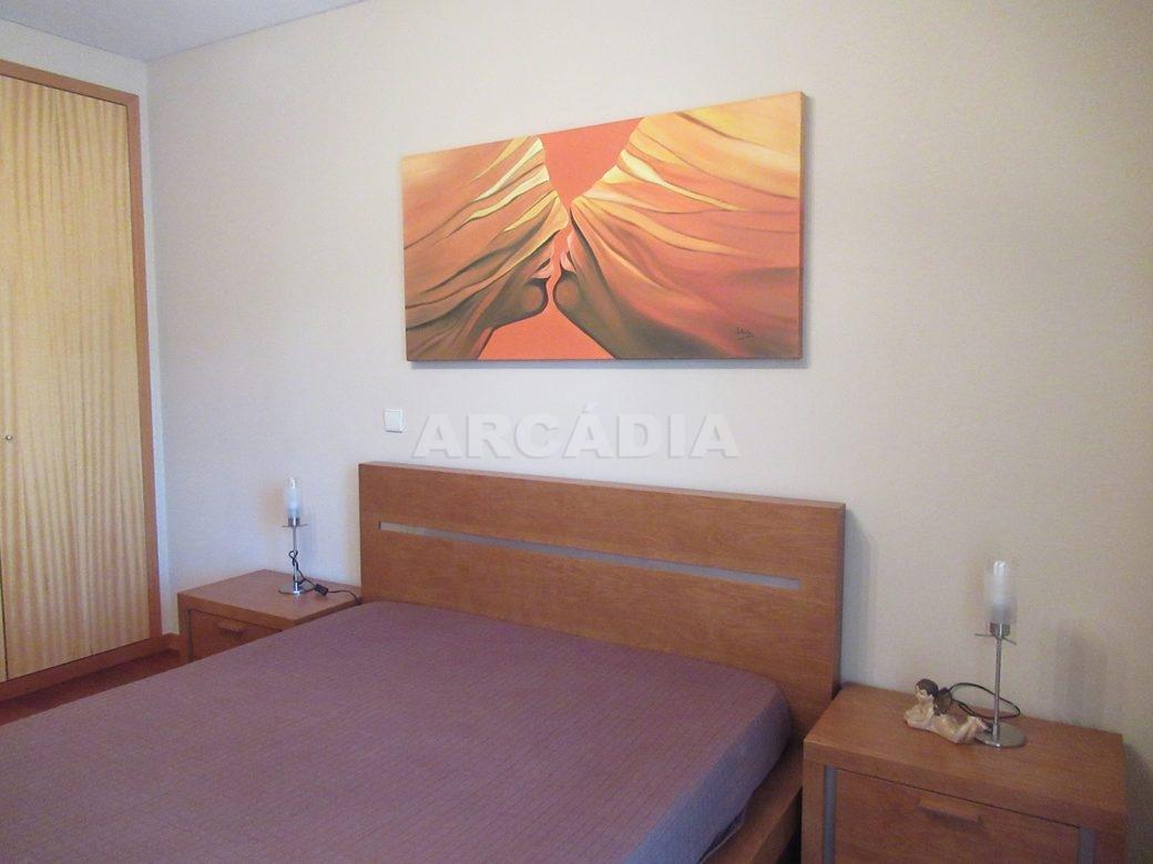 Arrendar-Como-novo-Proximo-do-Centro-da-Cidade-de-Braga-suite-cama-2