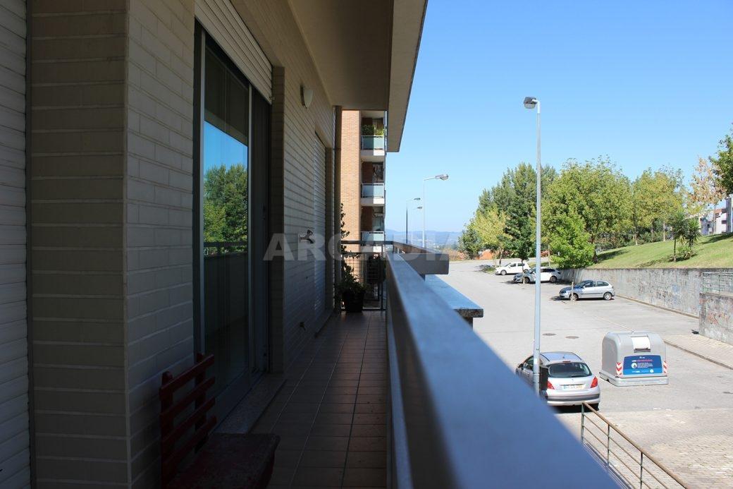 Arrendar-Como-novo-Proximo-do-Centro-da-Cidade-de-Braga-varanda-este