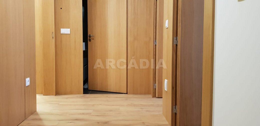 Moradia-V3-Merelim-Sao-Pedro-1andar-hall