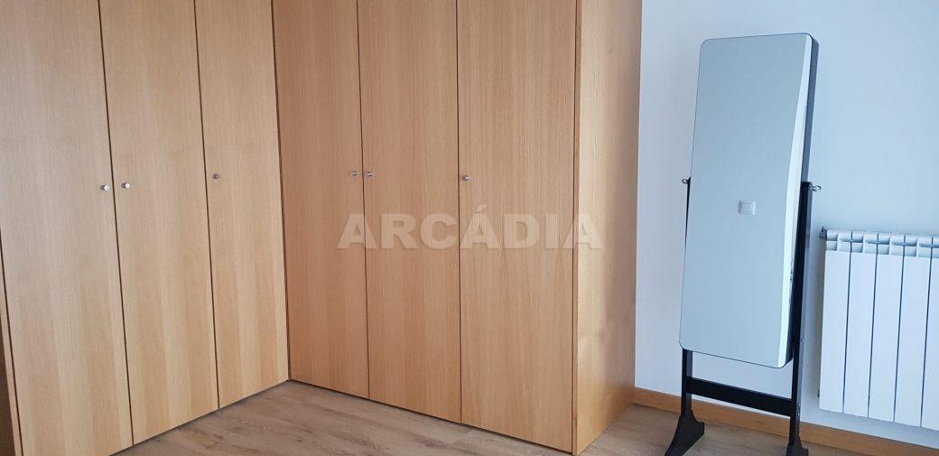 Moradia-V3-Merelim-Sao-Pedro-1andar-suite-closet-espelho