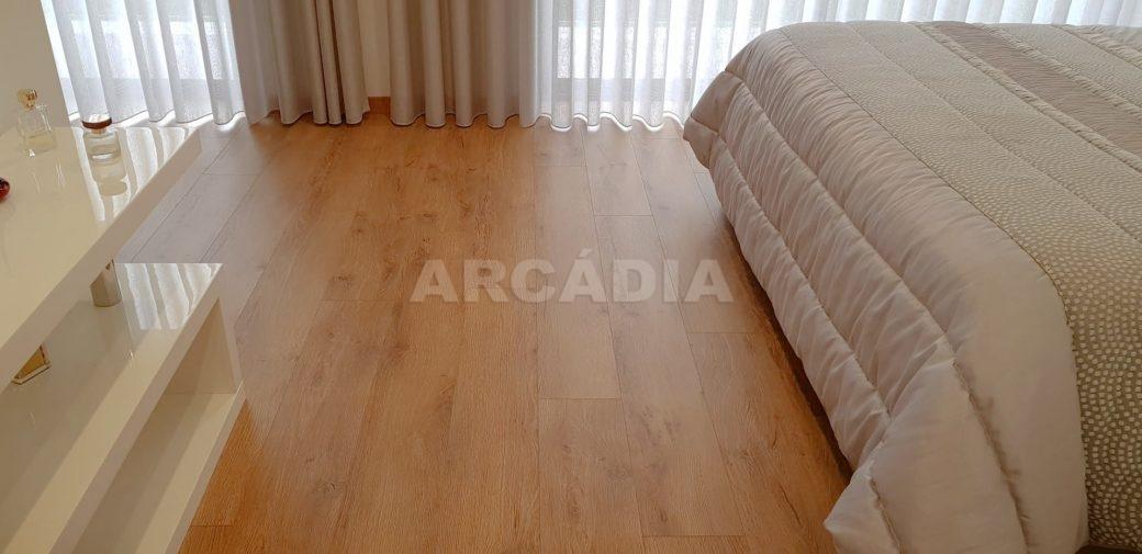 Moradia-V3-Merelim-Sao-Pedro-1andar-suite-piso-madeira