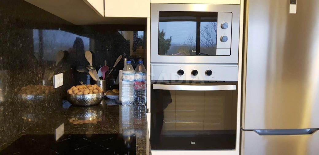 Moradia-V3-Merelim-Sao-Pedro-Rc-cozinha-forno-microondas-